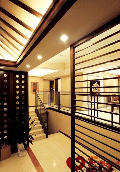 三居中式风格装修效果图